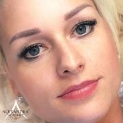 Szandranak-09-patkos-alexandra-sminktetoválás-soft-powder-szemöldök-tetoválás