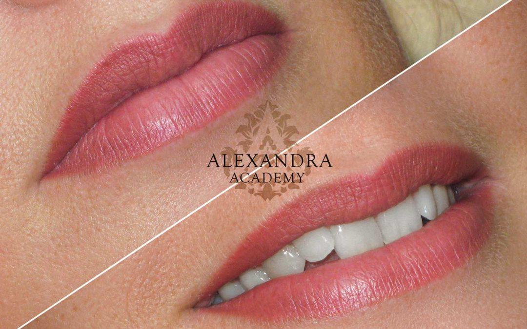 Klasszikus száj tetoválás