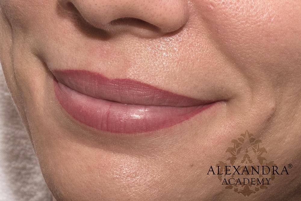 Szájsatír-szájtetoválás-sminktetoválás-szemöldök-tetoválás-patkós-alexandra